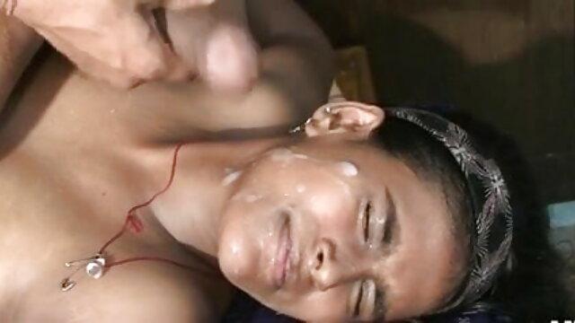 एक गर्म मरोड़ते कार्रवाई में सेक्सी मूवी बीएफ वीडियो में सेक्सी किन्नर