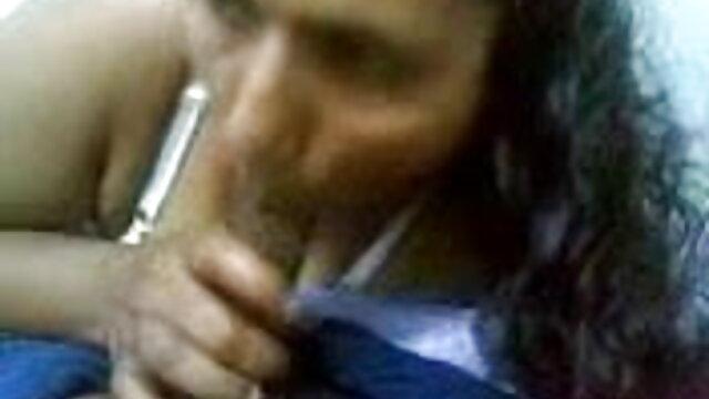 4. सेक्सी लड़की फैनी में प्रेमी आदमी से मुर्गा और मुट्ठी दोनों सेक्सी बीएफ वीडियो में फुल मूवी प्राप्त करता है