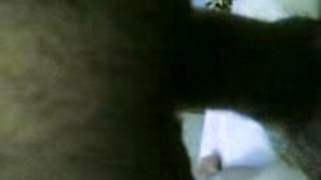 पट्टी अदालत सनी लियोन की सेक्सी मूवी बीएफ विदूषक के साथ चार्ली और सिन्डी (एच.)