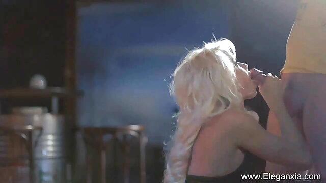 लैटिना मुर्गा पर सवारी और एक चेहरे हो जाता है सेक्सी मूवी बीएफ वीडियो