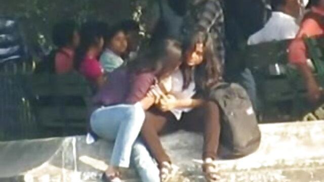 प्यारा एमी भी उसके पैरों का उपयोग करता है बीएफ सेक्सी मूवी वीडियो