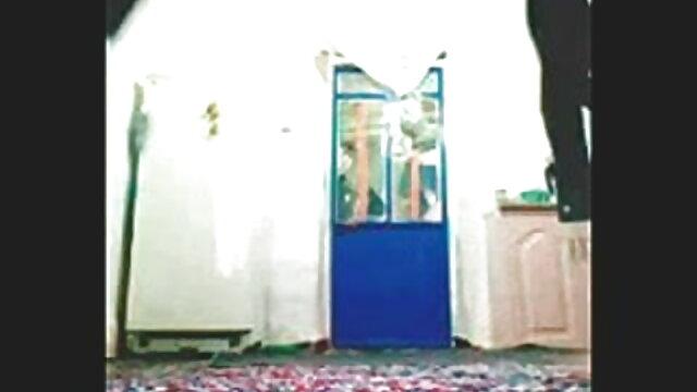 एक बीएफ वीडियो फुल मूवी सेक्सी भव्य श्यामला में एक नंगा नाच